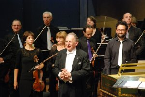 "with the conductor Boris Brott in the concert series ""In the footsteps of the philosophers-oct. 2014 - Photo: PR"
